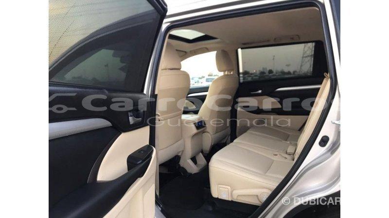 Big with watermark toyota highlander chimaltenango import dubai 3990