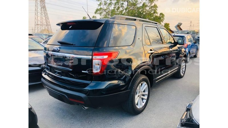 Big with watermark ford explorer chimaltenango import dubai 6376